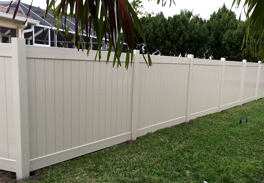 Vinyl fencing transferable life time warranty professional installation - Pvc fencing solutions ...