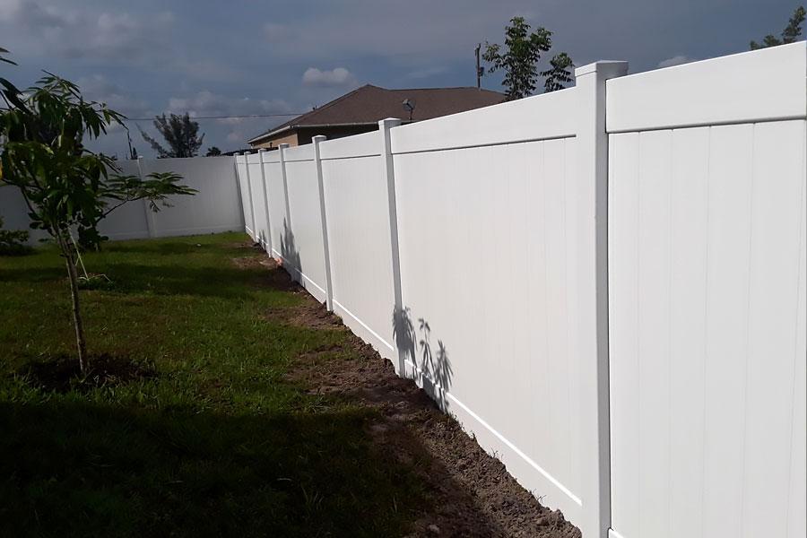 Privacy Vinyl Fences